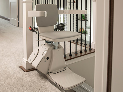 stair lift bruno elan top of stairs 406 x 304 web